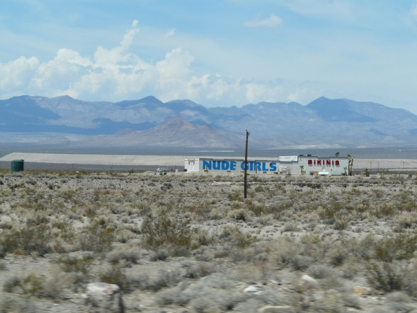 Roadside entertainment in Nevada